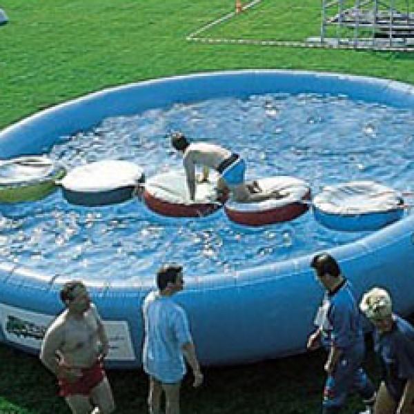 Zwembad met luchtloopmat